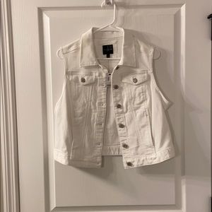 The Limited White Denim Vest Size Large NWT